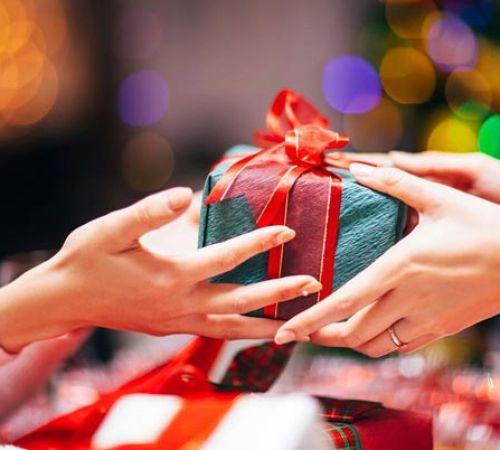 Sáu món quà tốt nhất mà bạn có thể tặng cho người yêu của mình
